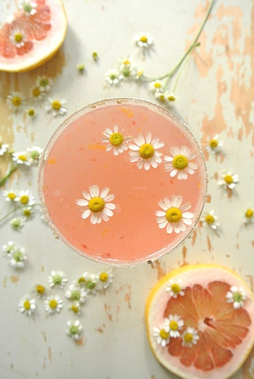 The paloma with chamomile and pink grapefruit from Deco Tartelette for a wedding